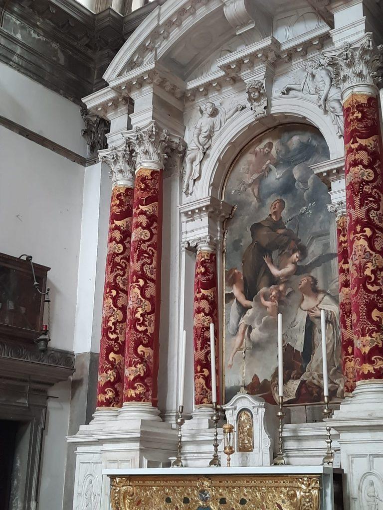 Reliquia San Antonio Altare Salute
