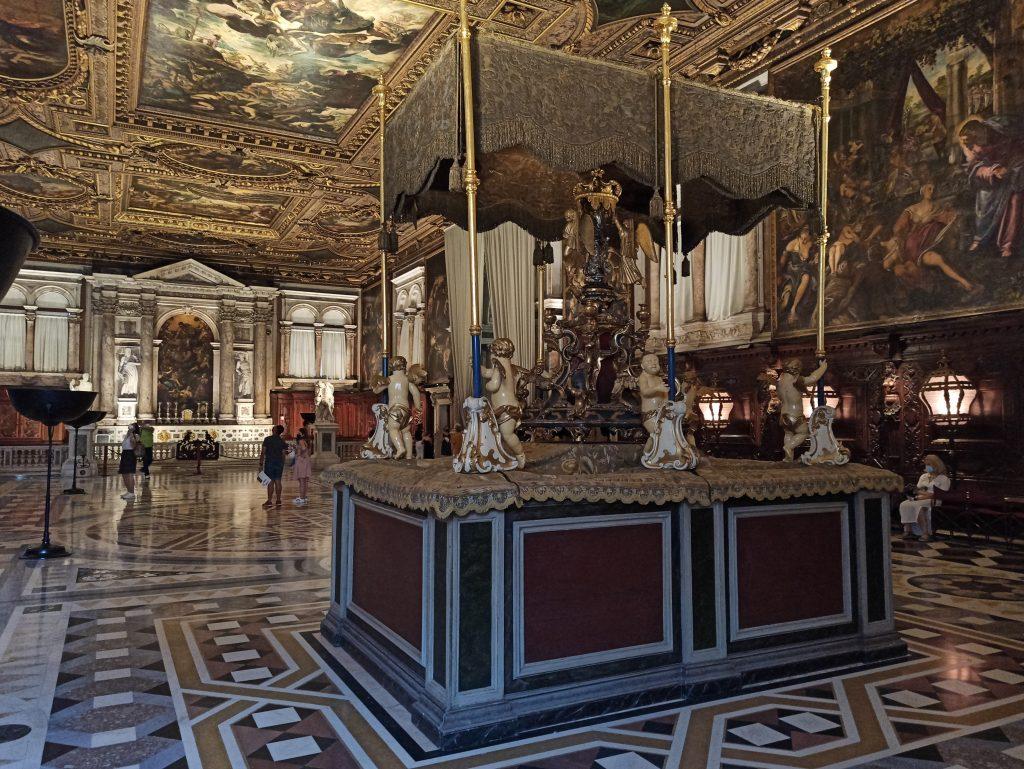 Festa San Rocco Baldacchino E Reliquia Sala Capitolare