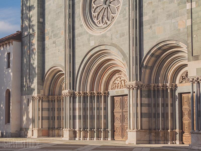 L'ingresso della Basilica di Sant'Andrea