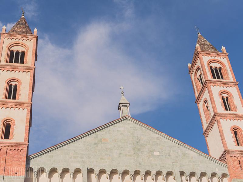 Le torri della facciata della Basilica di Sant'Andrea