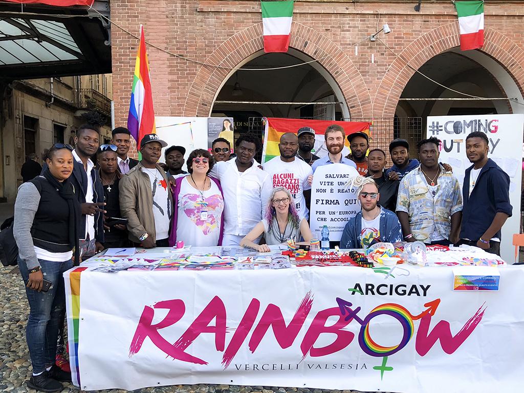 Banchetto dell'Arcigay Rainbow Vercelli Valsesia, verso il Vercelli Pride