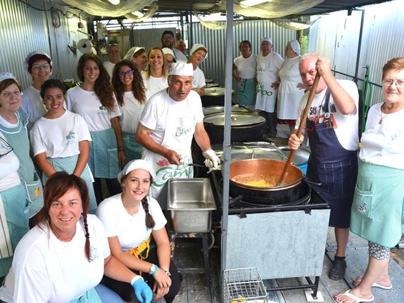 Sagra Della Rana, Gruppo di volontari