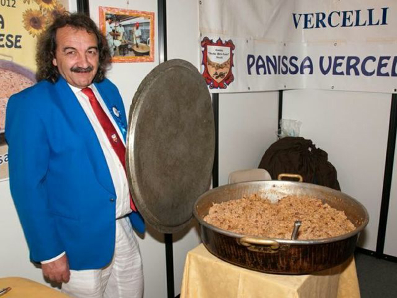 sagra d'la panissa: Manolli presenta la specialità