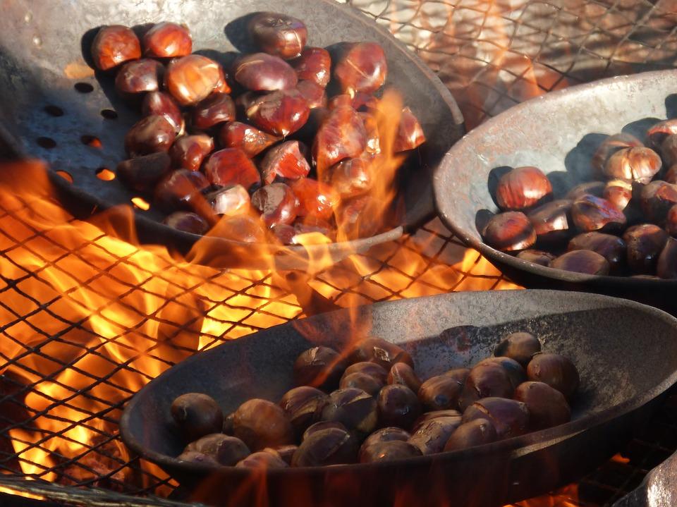 caldarroste cotte al fuoco a legna