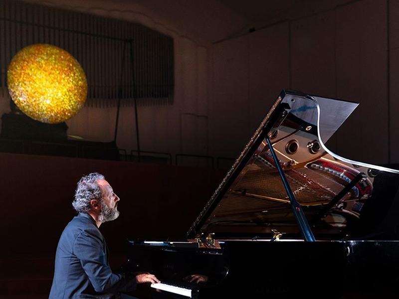 Cesare Picco si esibisce