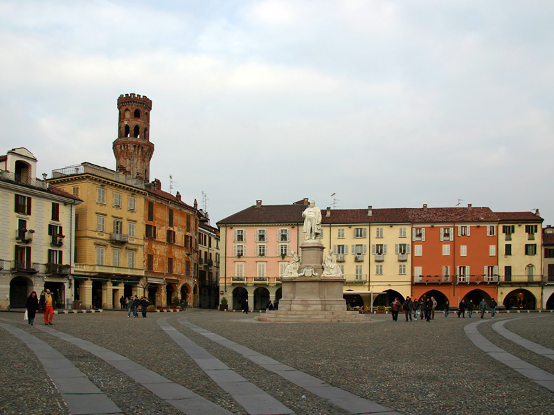 Piazza Cavour, partenza e arrivo