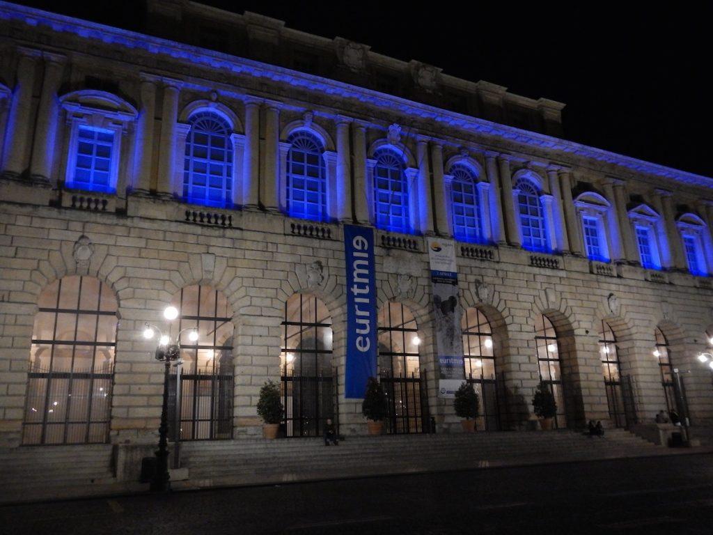 foto del palazzo della Gran Guardia Verona Blu