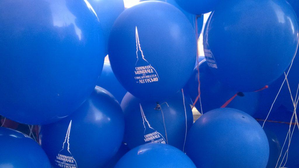 immagine palloncini per la giornata dedicata all'Autismo