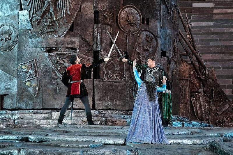 Il Trovatore - Manrico E Il Conte si sfidano a duello