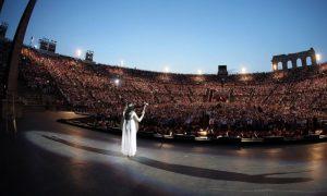 Arena Di Verona Opera Festival: l'arena piena