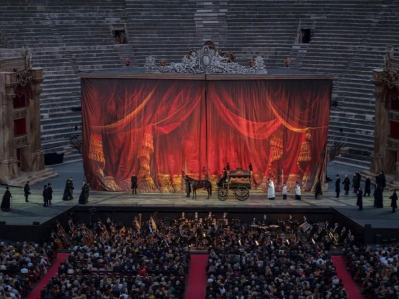 La traviata: scenografia