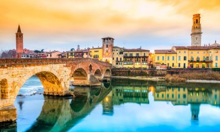 Ponte Di Pietra Di Verona