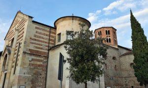 L'esterno della chiesa di Santo Stefano