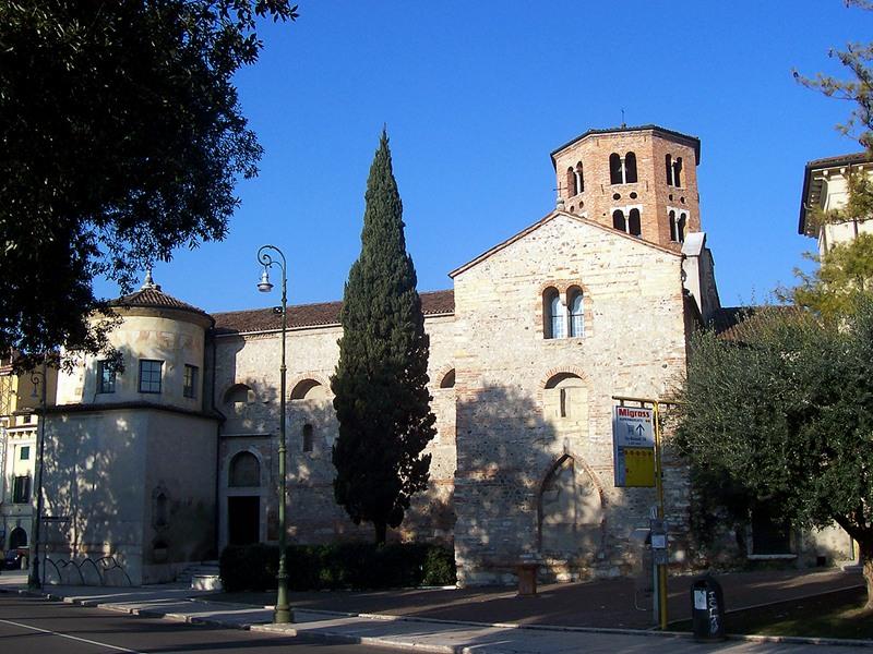 Lato meridionale della chiesa di Santo Stefano a Verona