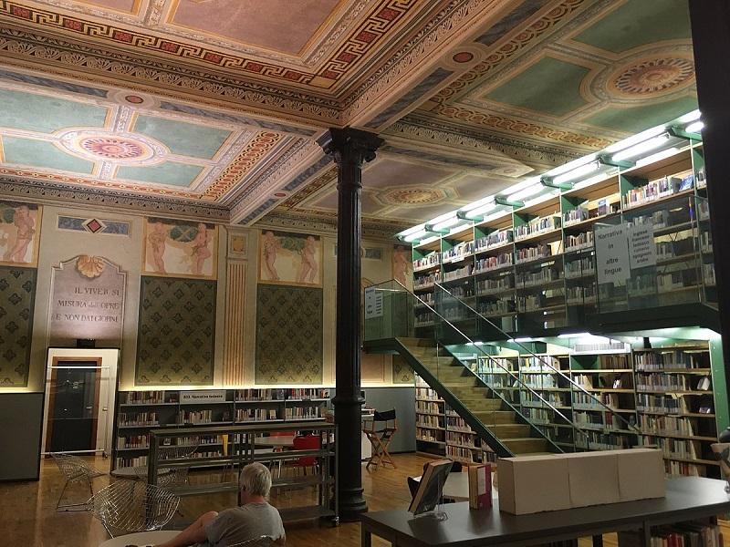 Interno Biblioteca Civica Verona
