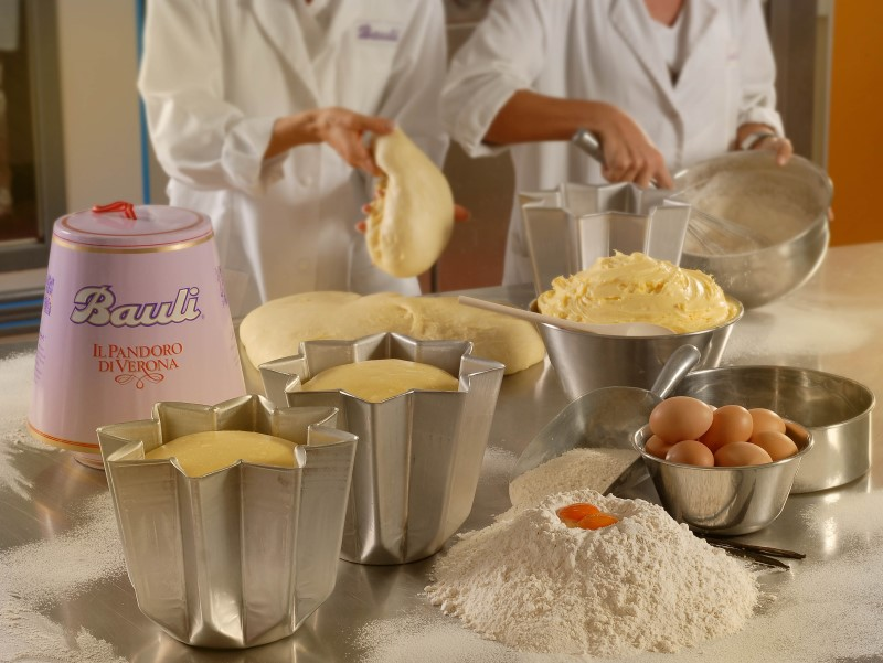 alberto bauli, preparazione del pandoro