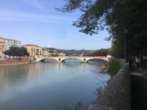 Riva San Lorenzo Il corso del fiume e il Ponte della Vittoria in lontananza