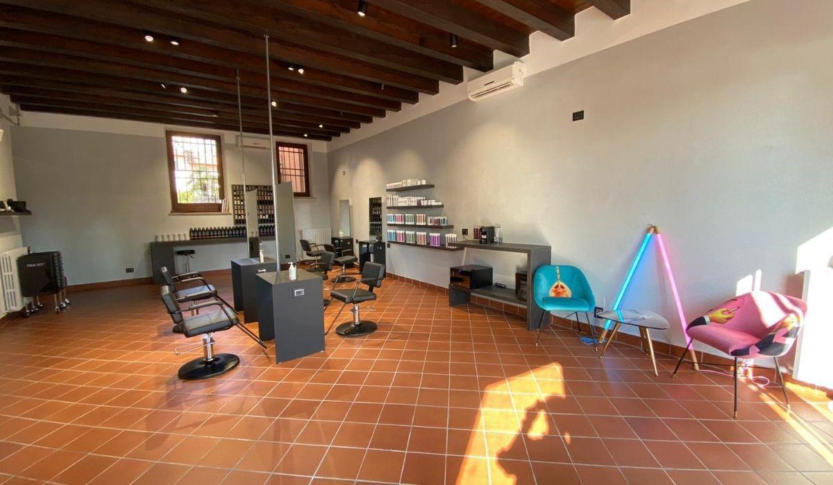 L'interno Di Mf Hairdressing
