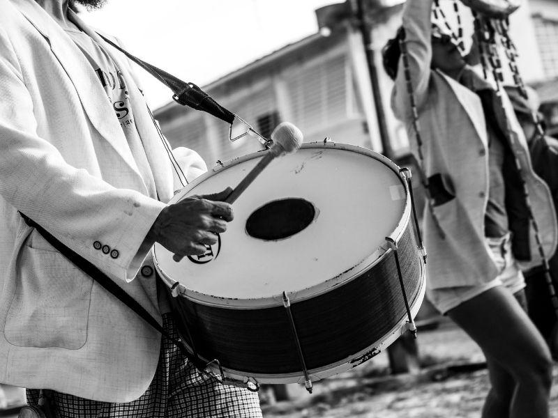 Ancora Musicisti Che Suonano Per Strada