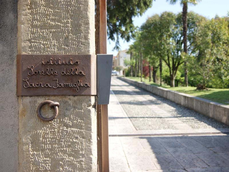 Istituto Sorelle Sacra Famiglia