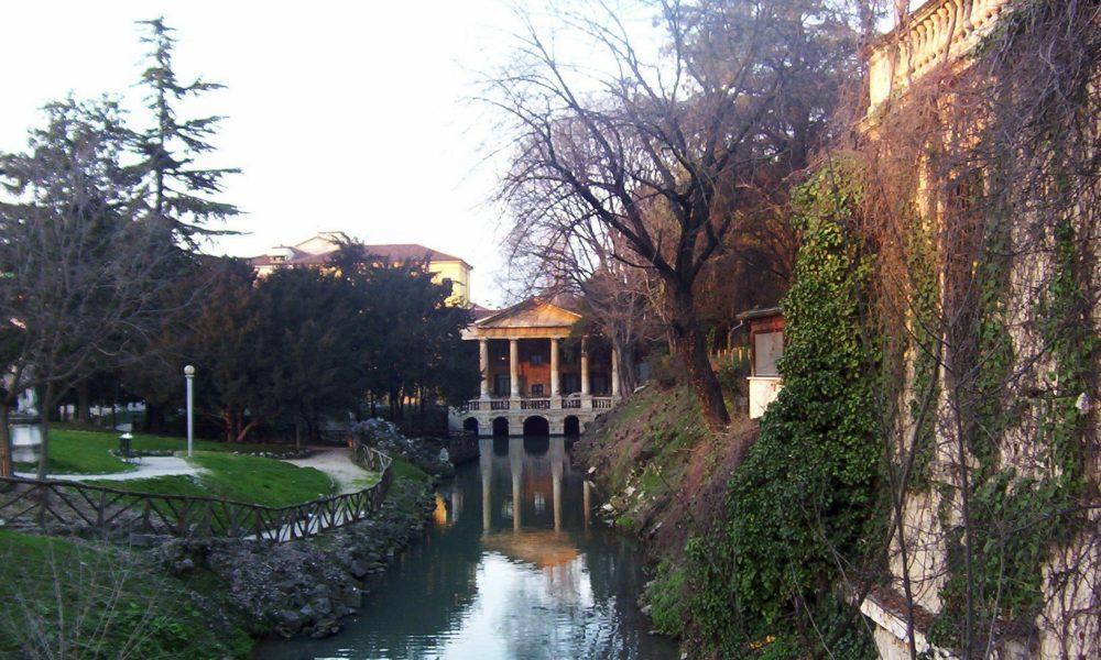 Loggia Valmarana Palladio Giardini Salvi