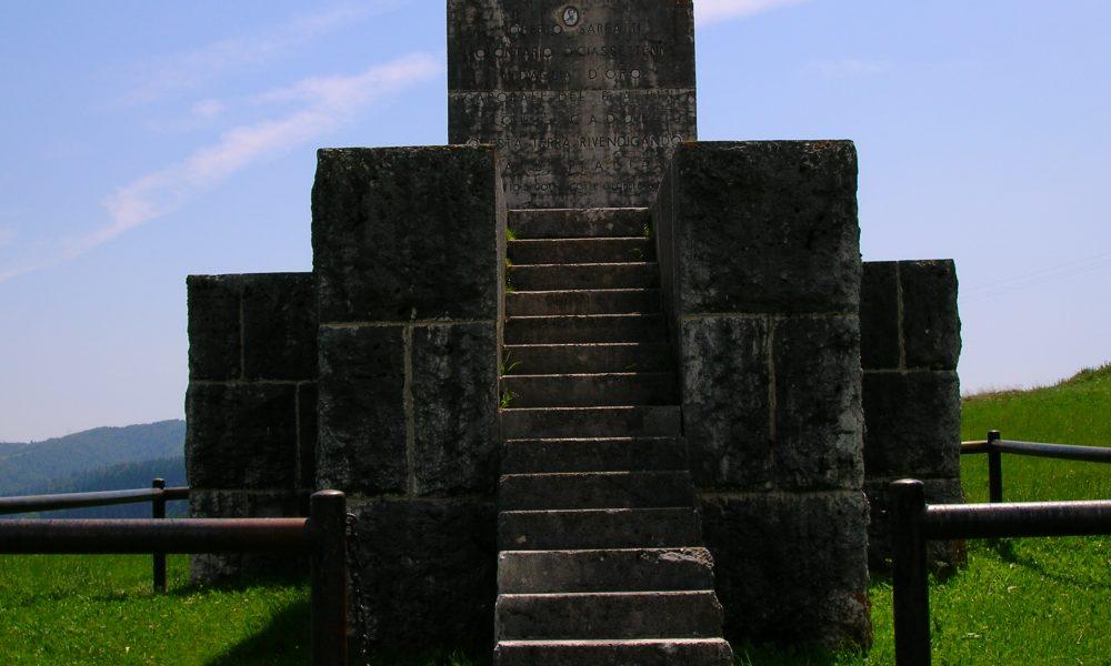 Monumento A Roberto Sarfatti