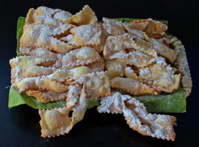 Dolci di carnevale - Galani fritti