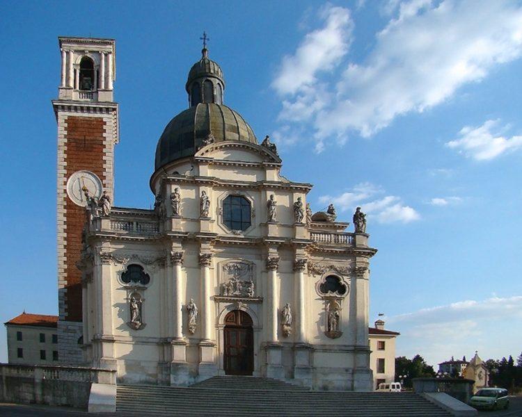 Monte Berico - la chiesa vista dal basso