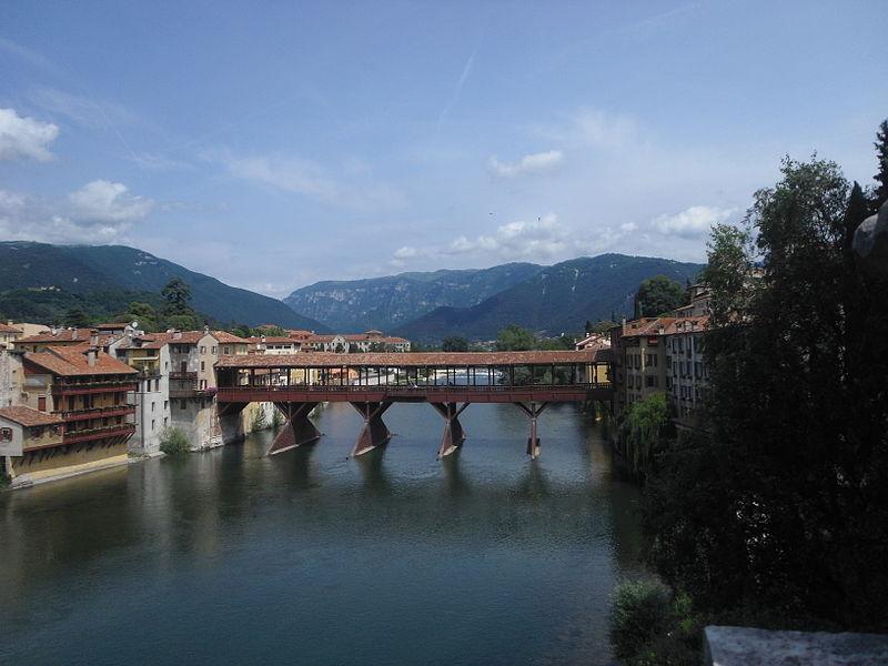 ponte degli alpini restaurato - Veduta Del Ponte Antico di Bassano