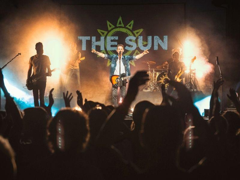 I The Sun Davanti Al Pubblico