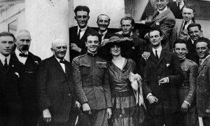 Arturo Ferrarin - Casa Arturo con gruppo di famiglia